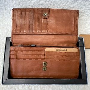 """NEW♦️ Harbour 2nd Tan Leather Wallet 7.25 x 3.5"""""""